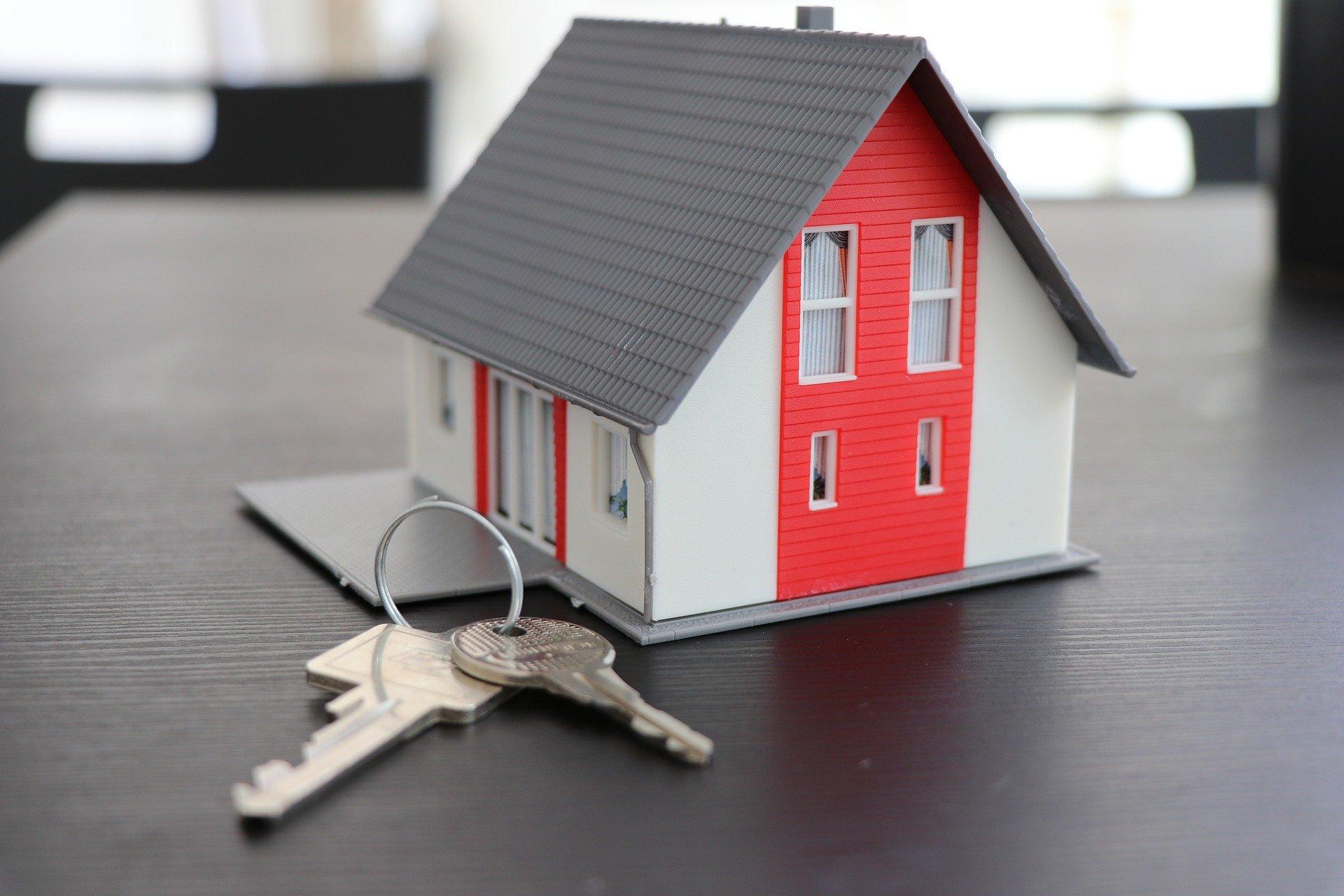 Pourquoi vendre ou acheter avec une agence immobilière ?